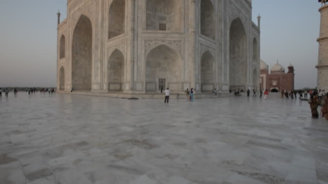 ws tu taj mahal courtyard / agra, india - taj mahal stock videos and b-roll footage