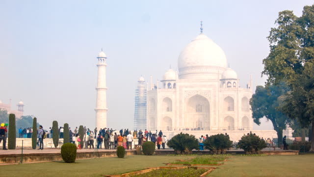 taj mahal - india. - taj mahal stock videos and b-roll footage