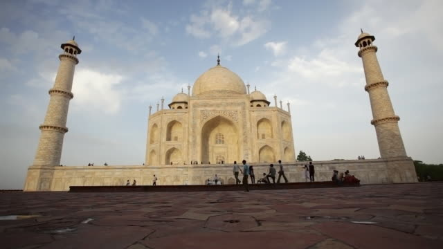 ls taj mahal late afternoon/ agra, uttar pradesh, india - mausoleum stock videos and b-roll footage