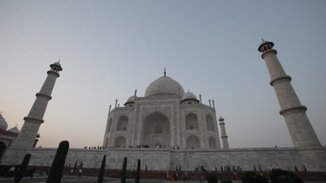 ws la taj mahal under blue sky / agra, india - agra stock videos and b-roll footage