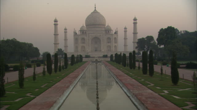 ms, ds, zi, taj mahal with pond in front garden, agra, uttar pradesh, india - taj mahal stock videos and b-roll footage