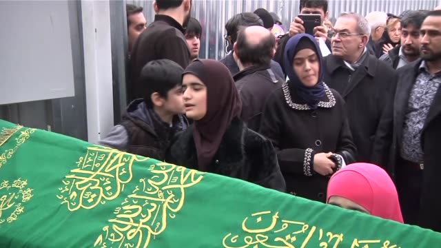 tajikistan opposition leader killed in istanbul by an unidentified attacker has been buried in the city after noon prayers in fatih mosque on 9 march... - mittag stock-videos und b-roll-filmmaterial