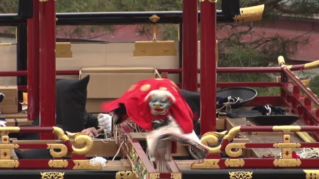 vídeos de stock e filmes b-roll de takayama spring festival - marionete