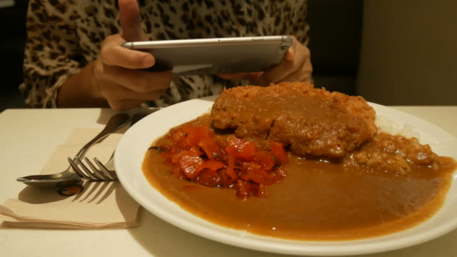 Take a photo of food with mobile phone