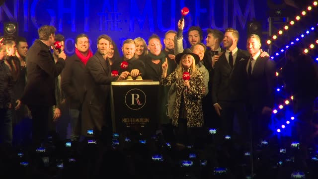vídeos de stock, filmes e b-roll de take that, jessie ware, jamie theakston and emma bunton at regent street christmas lights on 16th november 2014 in london, england. - jamie theakston