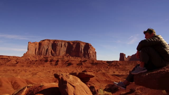 taking it in - monument valley stock-videos und b-roll-filmmaterial