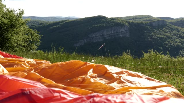 ws pan pov taking-off  of a paragliding pilot, flying, cross country pilot, extreme sports, adventure - extreme sports point of view stock videos & royalty-free footage
