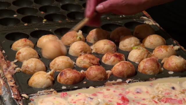 takoyaki_shinagawa shrine fest - 伝統行事点の映像素材/bロール