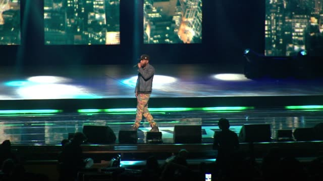 talib kweli at we day new york welcome to celebrate young people changing the world at radio city music hall on april 06, 2017 in new york city. - radio city music hall stock-videos und b-roll-filmmaterial