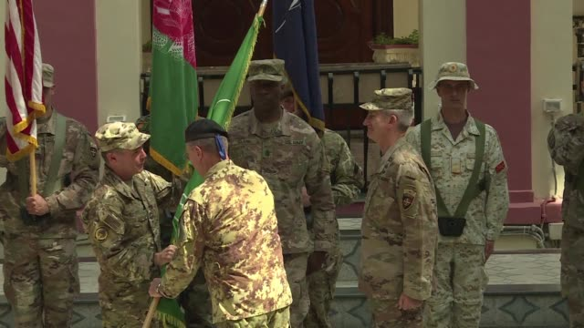 a taliban claimed attack on the top us commander in afghanistan and senior afghan security officials killed at least three people and sent the... - scrambling bildbanksvideor och videomaterial från bakom kulisserna