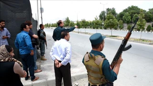 vídeos y material grabado en eventos de stock de taliban militants attacked the afghan parliament on monday with gunfire and a huge explosion rocking the building - balancearse