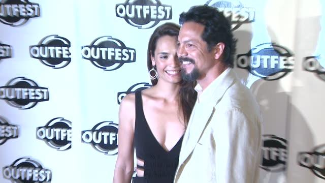 vídeos de stock, filmes e b-roll de talisa soto and benjamin bratt at the 2009 outfest opening night gala of 'mission' at los angeles ca. - benjamin bratt