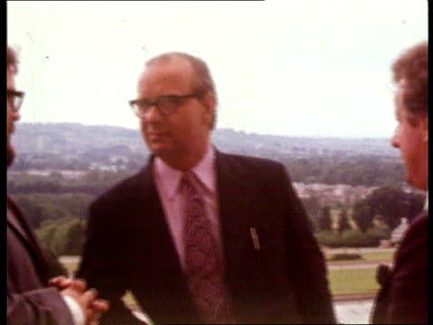 vídeos y material grabado en eventos de stock de talks taking place at stormont talks taking place at stormont 1984/int utv cms james prior speaking to other - provincia de ulster