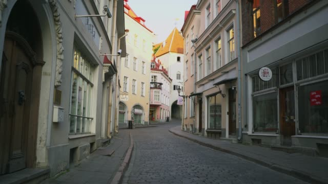 tallinn old town in the morning - courtyard stock videos & royalty-free footage