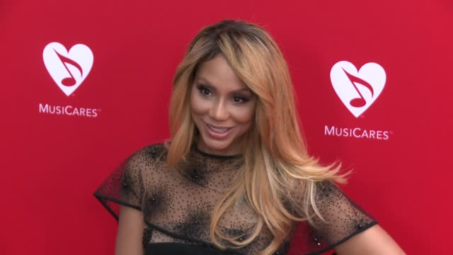 vídeos de stock e filmes b-roll de tamar braxton at the 12th annual musicares map fun benefit concert honoring smokey robinson at the novo by microsoft on may 19 2016 in los angeles... - benefit concert