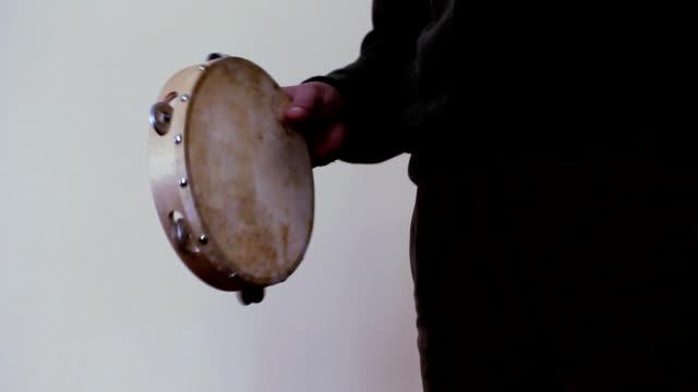 Tambourine (HD)