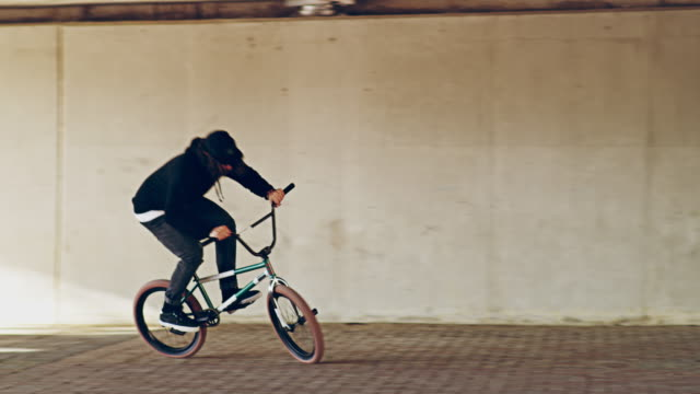 taming the urban jungle - stunt person stock videos & royalty-free footage