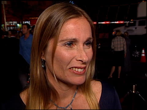 stockvideo's en b-roll-footage met tamra davis at the crossroads at grauman's chinese theatre in hollywood, california on february 11, 2002. - mann theaters