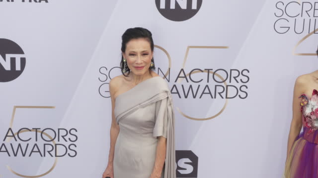 tan kheng hua at the 25th annual screen actors guild awards at the shrine auditorium on january 27 2019 in los angeles california - screen actors guild awards stock videos & royalty-free footage