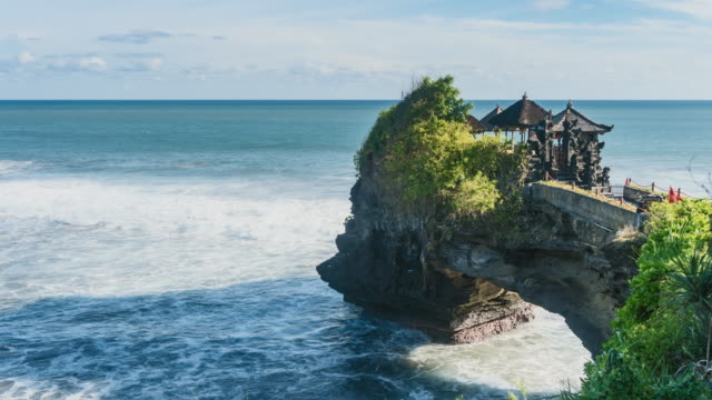 tanah lot temple, bali, indonesia: medium shot - pura ulu danau temple stock videos & royalty-free footage