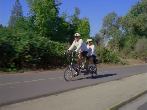 Tandem bicycle ride
