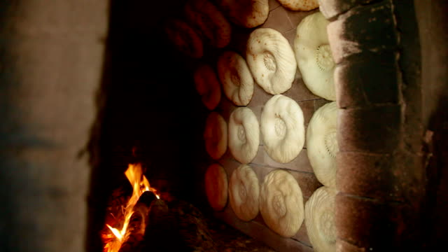 tandoor, traditional way for making flat bread