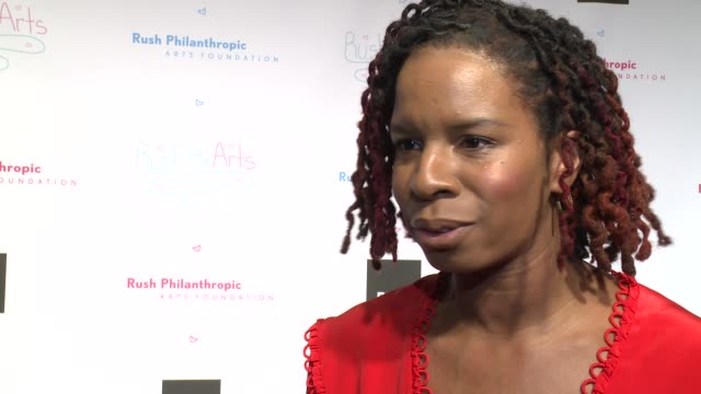 vídeos y material grabado en eventos de stock de interview tangie murray on how the arts help at russell simmons' rush philanthropic arts foundation's annual rush hearts education luncheon at the... - russell simmons