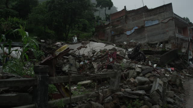 barabise, nepal - july 31, 2015: tangled mess of reinforced concrete - rubble stock videos & royalty-free footage