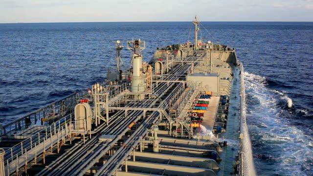 vídeos y material grabado en eventos de stock de cisterna en el océano índico - golfo pérsico