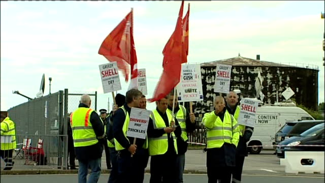 army on standby to deliver petrol lib / tx striking shell tanker drivers on picket line - picket line stock videos & royalty-free footage