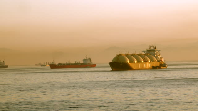 lng tanker - persian gulf stock videos & royalty-free footage