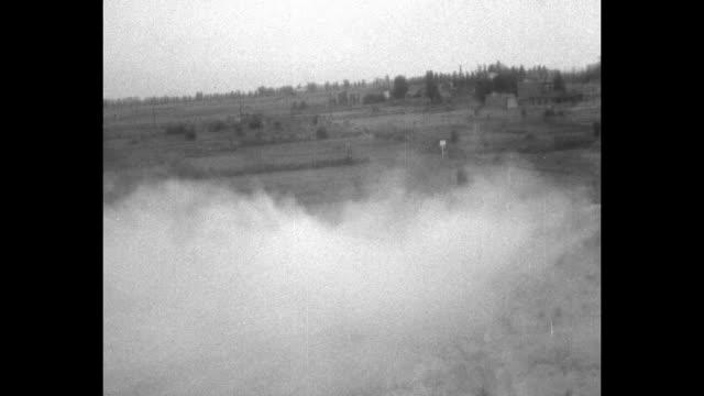 vidéos et rushes de vs tanks going through mud and over rough terrain / note exact day not known - essai de voiture