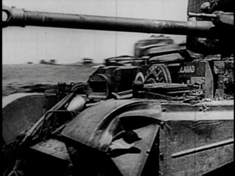 vídeos de stock e filmes b-roll de tanks moving through poland - 1939
