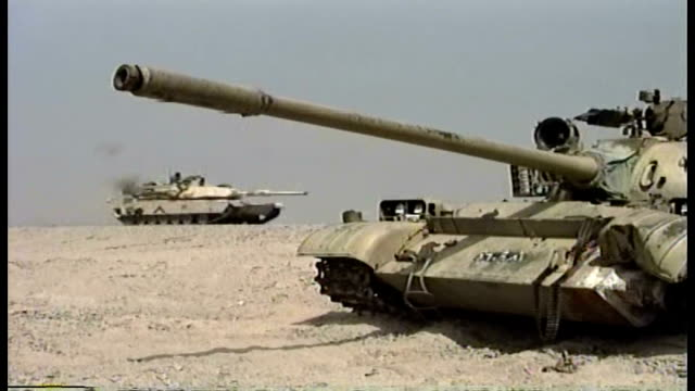 tanks of the 1st infantry division moving through the desert into iraq - natural land state stock videos & royalty-free footage