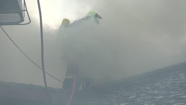 vídeos y material grabado en eventos de stock de tank-truck, fire brigade - parque de bomberos
