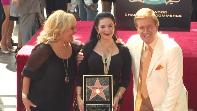 tanya tucker , crystal gayle and wink martindale at the crystal gayle is honored with a star on the hollywood walk of fame at hollywood ca. - tucker stock videos & royalty-free footage