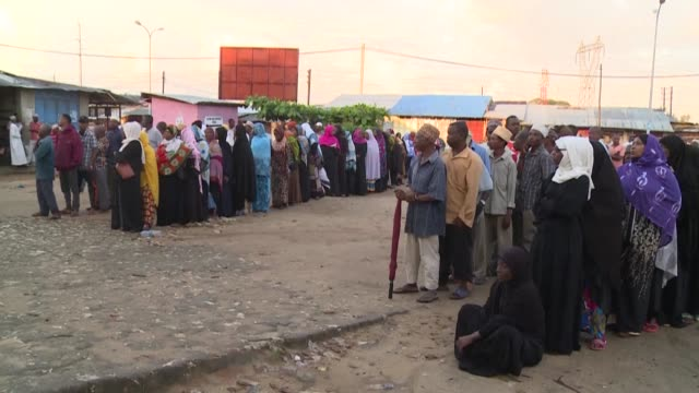 tanzanians on the semiautonomous archipelago of zanzibar queue up to cast their votes in the country's elections - zanzibar archipelago stock videos & royalty-free footage