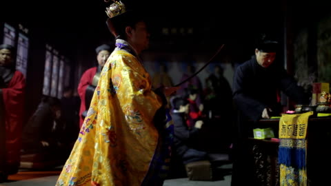 ms taoist do religious rites with pilgrims to pray for good luck in grand hall of temple during chinese lunar new year audio / xi'an, shaanxi, china - pilgrim stock videos & royalty-free footage