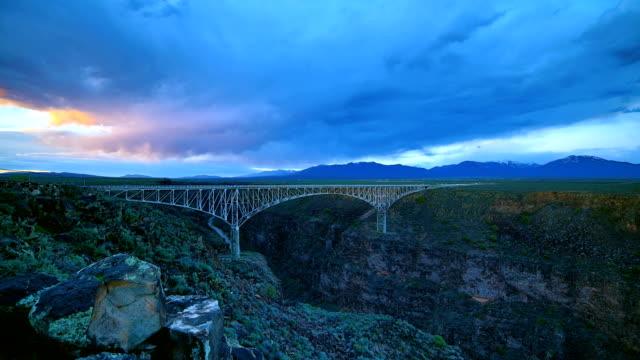 taos, new mexico - kantilever bildbanksvideor och videomaterial från bakom kulisserna