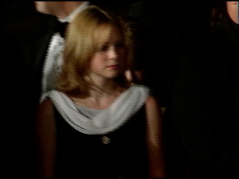 stockvideo's en b-roll-footage met tara lipinski at the 1998 academy awards titanic party at new chasens in beverly hills california on march 23 1998 - 70e jaarlijkse academy awards