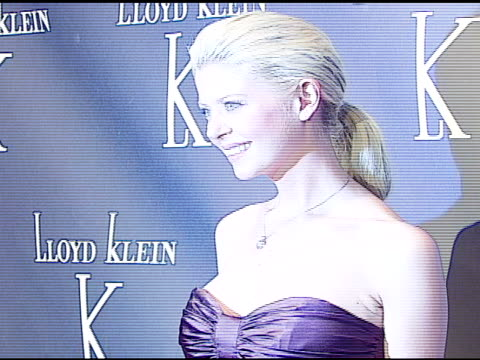 tara reid at the world renowned couturier lloyd klein to open flagship retail store, showroom and studio in los angeles with a celebrity launch p on... - tara reid stock-videos und b-roll-filmmaterial