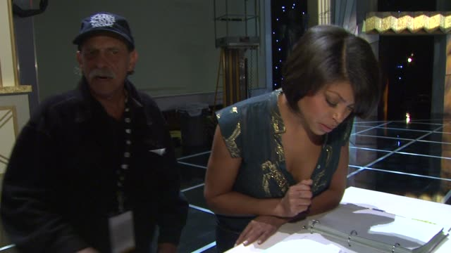 taraji p henson signing the benjamin button book at the 15th annual screen actors guild awards preparations at los angeles ca - taraji p. henson stock videos and b-roll footage