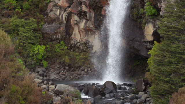 slow motion: taranaki falls - tongariro national park stock videos & royalty-free footage