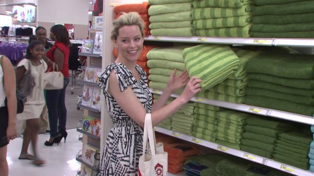 stockvideo's en b-roll-footage met target celebrates opening of east harlem location with star-studded party, new york, ny, united states, 7/20/10. - kelly rowland