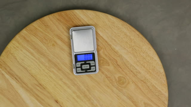Taring digital pocket scale