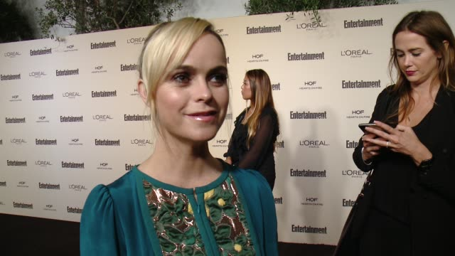 taryn manning on favorite television moments from this past season, and on what entertainment weekly means to them at entertainment weekly's pre-emmy... - エンターテインメント・ウィークリー点の映像素材/bロール