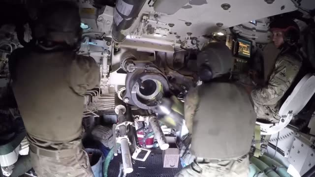 task force sparttan's 2nd armored brigade combat team 1st armored division conducts firing tables training in kuwait by rotating units in between... - luftvärn bildbanksvideor och videomaterial från bakom kulisserna