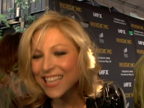 vídeos de stock, filmes e b-roll de tatum oneal discusses her character how she got involved with the show not riding in on the fire truck and what the upcomming season will be like at... - rescue me