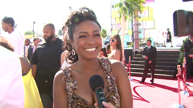 tatyana ali on the energy on the red carpet and on michael jackson at the 2009 bet awards at los angeles ca - tatyana ali stock videos & royalty-free footage