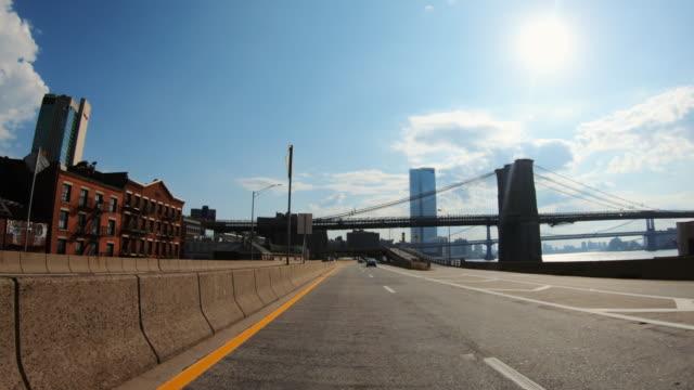 povタクシー運転:ニューヨークの車の視点 - 市街地の道路点の映像素材/bロール